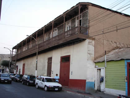 CASONAS COLONIALES Y SUS BALCONES 03